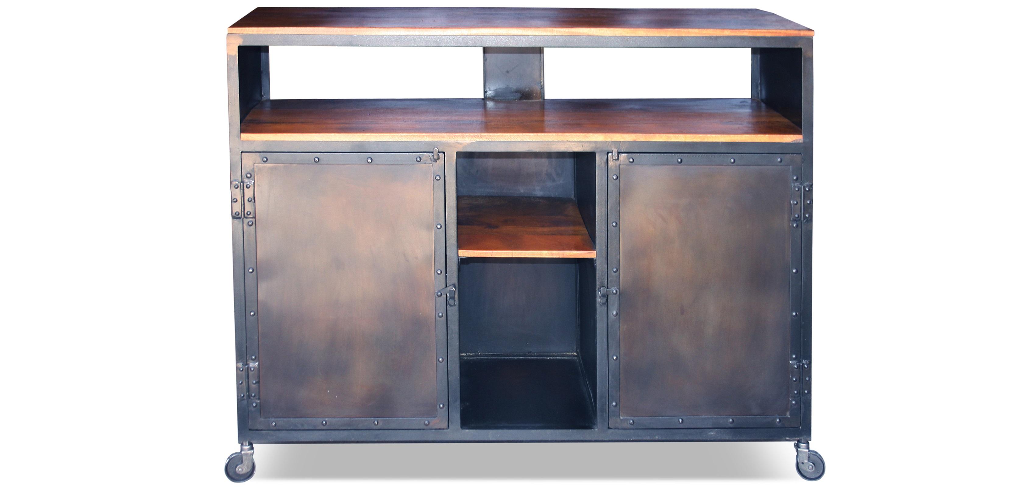buffet vintage vieilli acier industriel et bois. Black Bedroom Furniture Sets. Home Design Ideas